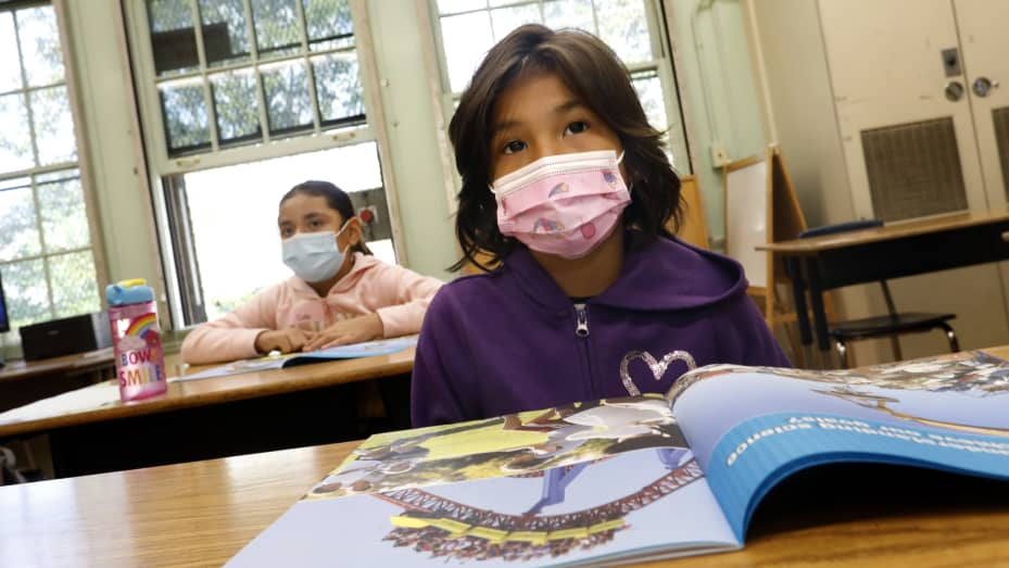 CDC, says Vaccinated teachers and students do not need to wear masks indoor