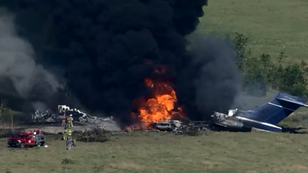 Plane Takes Off From Texas, Shortly After It Burned Near Houston – No Major Injuries