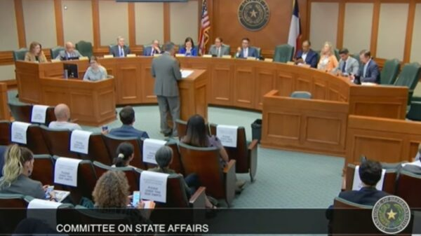 Texas Lawmakers ConsideringABill That Lets Employees Sue Employers Over Covid-19 Vaccine Mandates